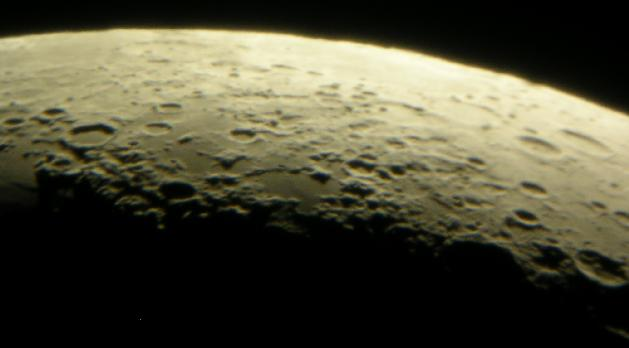 Lunar maria Spumans and Undarum in crescent pahse