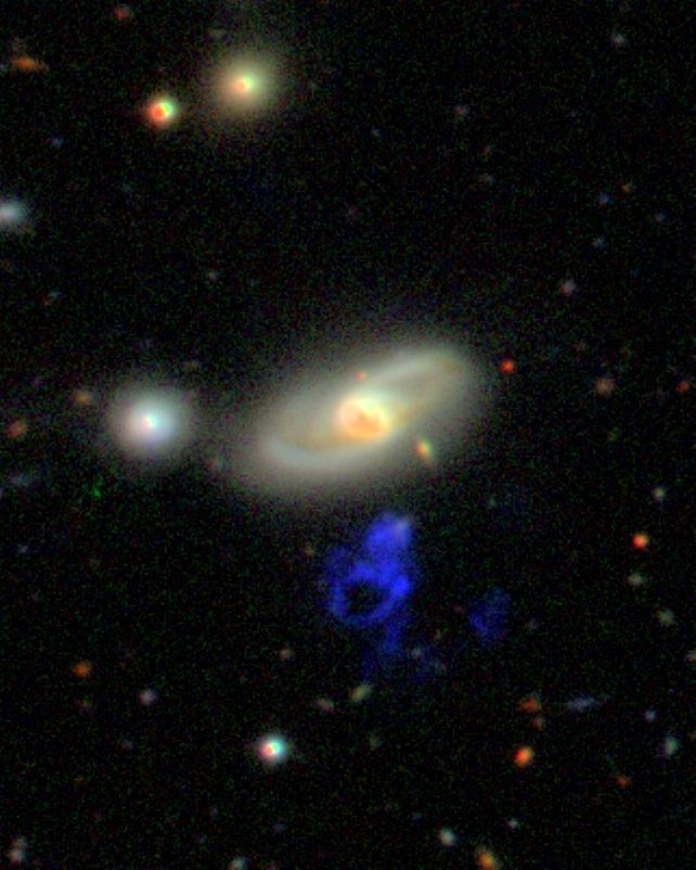 http://www.astr.ua.edu/keel/research/voorwerp_wht_gri_rot.jpg